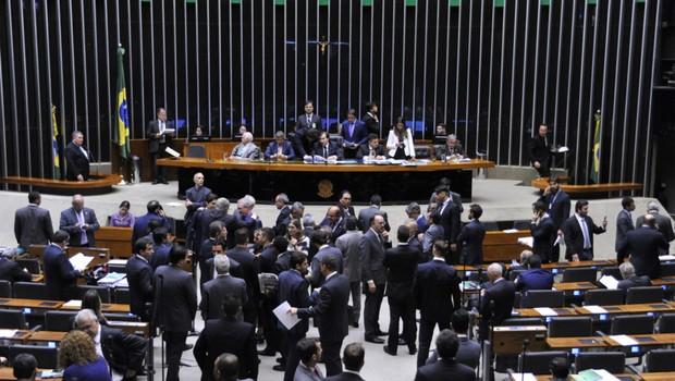 Sessão para análise e votação da Proposta de Emenda à Constituição (PEC) 241/16, que limita as despesas primárias da União ao que foi gasto no ano anterior corrigido pela inflação. (Foto: Alex Ferreira/ Câmara dos Deputados)