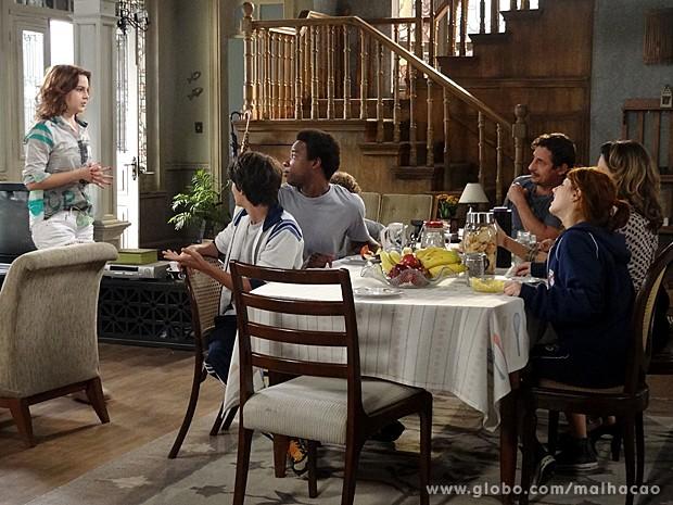 Anita decide contar para a família que está namorando Ben (Foto: Malhação / TV Globo)