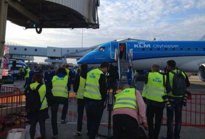 Avião que irá trazer a seleção da Holanda para o Brasil (Foto: Reprodução/Twitter)
