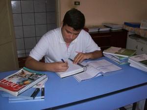 Jovem conta que dedicou bastante horas do seu tempo para seu estudos (Foto: Arquivo Pessoal)