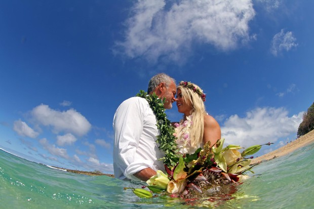 Kadu Moliterno e Cristianne Rodriguez (Foto: Hawaii Eco Weddings / MF Assessoria)