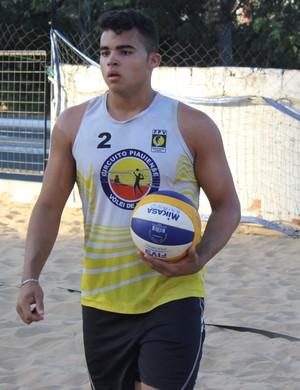 Brandon Igor - vôlei de praia (Foto: Emanuele Madeira/GloboEsporte.com)