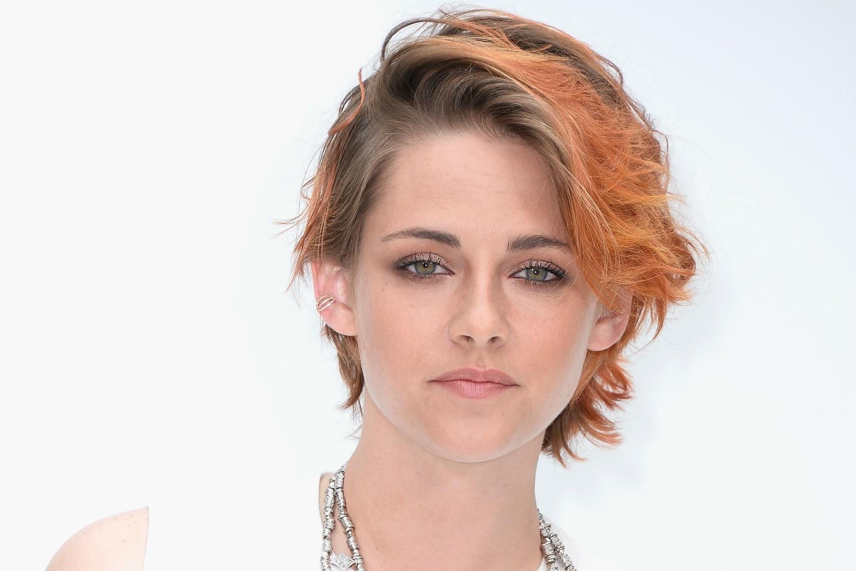 Kristen Stewart traiu o namorado, Robert Pattinson, com Rupert Sanders, que a dirigia em 'Branca de Neve e o Caçador'. (Foto: Getty Images)
