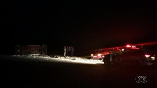 Corpo de menina que morreu em acidente na GO-139 é enterrado