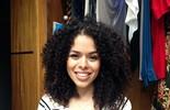 Rayza Nicário ensina penteado para cabelo cacheado