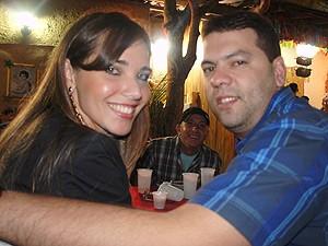 Lais e Petrucci se encantaram com o São João no sítio (Foto: Inaê Teles/G1)