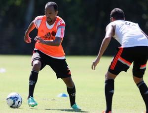 Alecsandro treino Flamengo (Foto: Marcos Tristão/Agência O Globo)