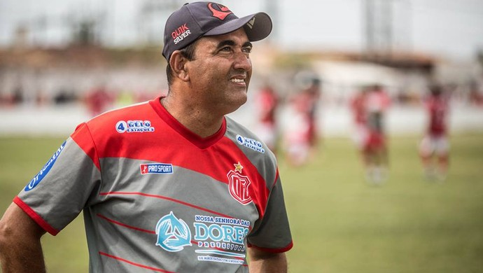 Elenilson Silva, técnico do Dorense (Foto: Filippe Araújo)