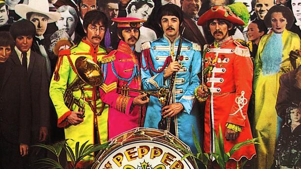 Detalhe da capa do álbum Sgt Pepper's Lonely Hearts Club Band, dos Beatles (Foto: Reprodução/Facebook)
