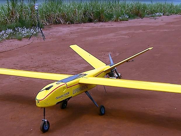 Aeronave não tripulada vai ajudar Inpe em monitoramento (Foto: Ely Venâncio/EPTV)