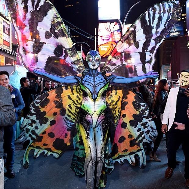 Heidi Klum vestida de borboleta (Foto: Reprodução/Instagram)