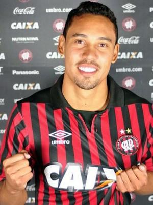 Edigar Junio, Atlético-PR (Foto: Gustavo Oliveira/ Site oficial Atlético-PR)