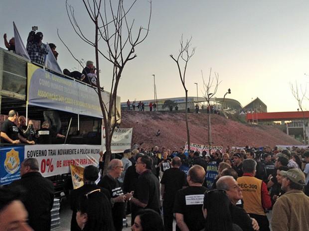 Protesto da PM em Itaquera (Foto: Sergio Gandolphi)