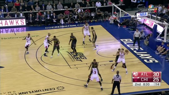 Howard comanda, e Hawks passam pelos Bulls na pré-temporada