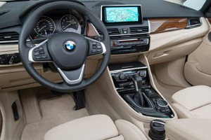 (W246): BMW vai lançar o concorrente da Classe B no segundo semestre de 2014 Bmw-2-series_active_tourer_2015_1280x960_wallpaper_20