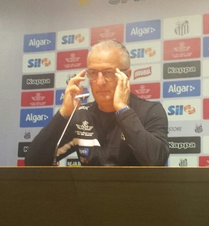 Dorival Junior em coletiva de imprensa (Foto: Bruno Giufrida)