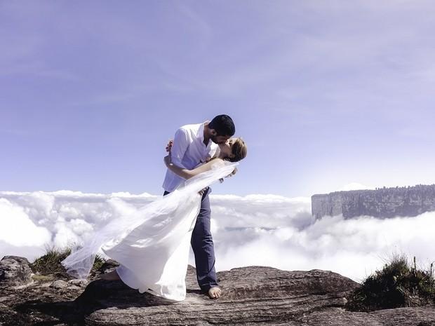 A noiva Natacha Picanço diz que experiência serviu para unir o casal (Foto: Rodrigo Tomzhinsky/Arquivo pessoal)