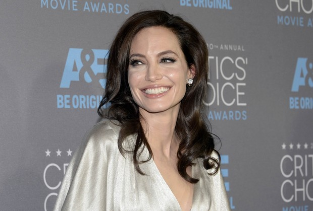 Angelina Jolie em premiação em Los Angeles, nos Estados Unidos (Foto: Kevork Djansezian/ Reuters)