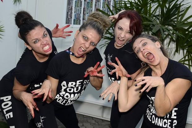 Vamps do show da banda Noturnall (Foto: Roberto Teixeira / ego)