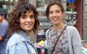 Vanessa Giácomo e Marjorie Estiano se divertem nos bastidores (Foto: Império/TV Globo)