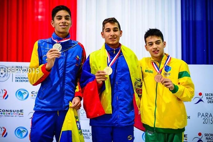 Luiz Henrique Mello Ferreira fatura bronze na natação dos Jogos Sul-Americanos Escolares (Foto: Divulgação/SND)