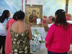 Caminhada, missa e novena marcaram a visita do ícone (Foto: Aritana Aguiar/Pascom Diocese de Santarém)