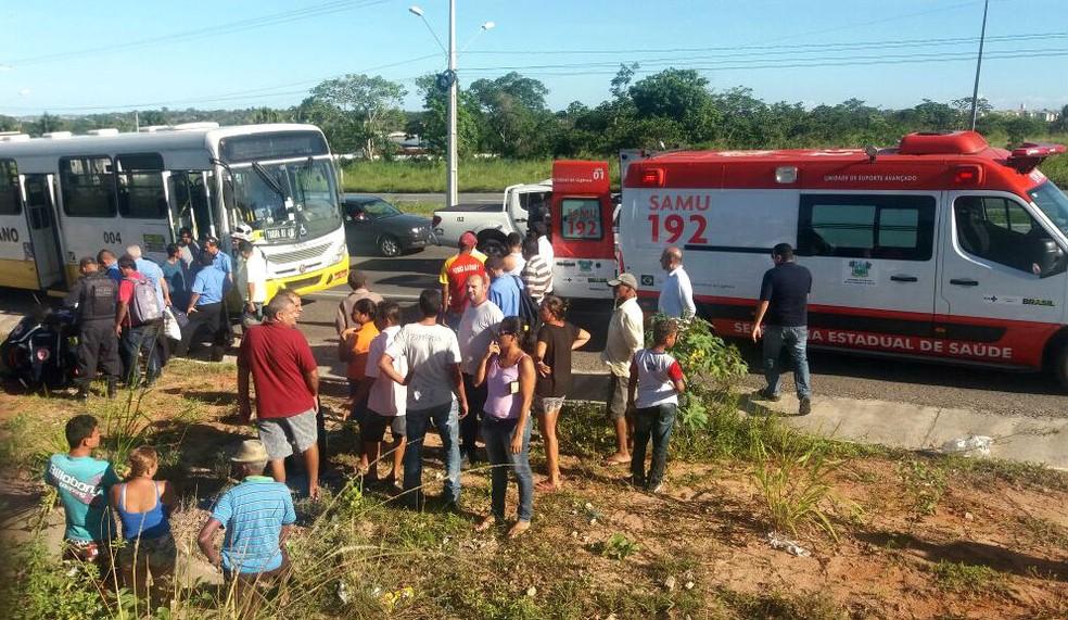 Tentativa de assalto terminou com um passageiro baleado em São Gonçalo do Amarante (Foto: Elizama Cardoso/Inter TV Cabugi)