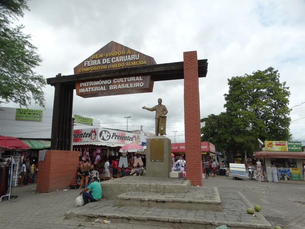 feira de caruaru pórtico onildo almeida (Foto: Lafaete Vaz / G1)