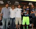 Atletas do UFC trocam experiências com ex-jogadores de Fla e Botafogo