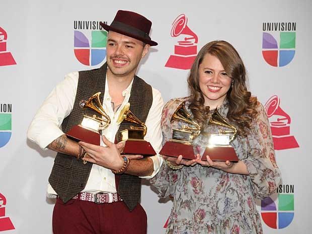 Com quatro fonógrafos dourados, a dupla Jesse & Joy foi a grande vencedora da 13ª edição do Grammy Latino. (Foto: Brenton Ho / Poderes Imaginação / Invision / Via AP Photo)