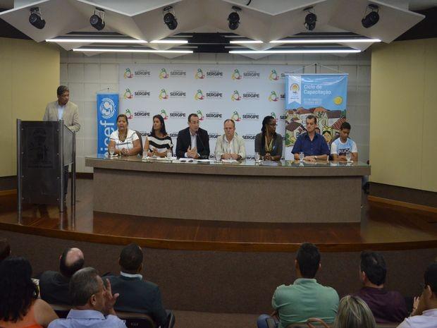 iniciativa é voltada para reduzir as desigualdades que afetam meninos e meninas que vivem na região do semiárido (Foto: Tássio Andrade/G1)
