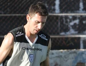 Éverton César, meia do Treze (Foto: Leonardo Silva / Jornal da Paraíba)