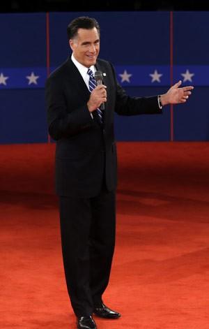 Romney responde a uma pergunta no debate (Foto: AP)