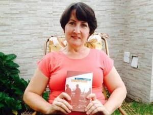 """Estudante contou que presentou a mãe com o livro """"achado"""", no Espírito Santo (Foto: Vera Lúcia Vervloet/ Arquivo Pessoal)"""