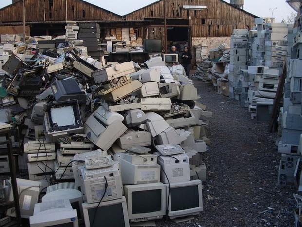 Depósito de lixo eletrônico em Santiago (Foto: Empa – ewaste)