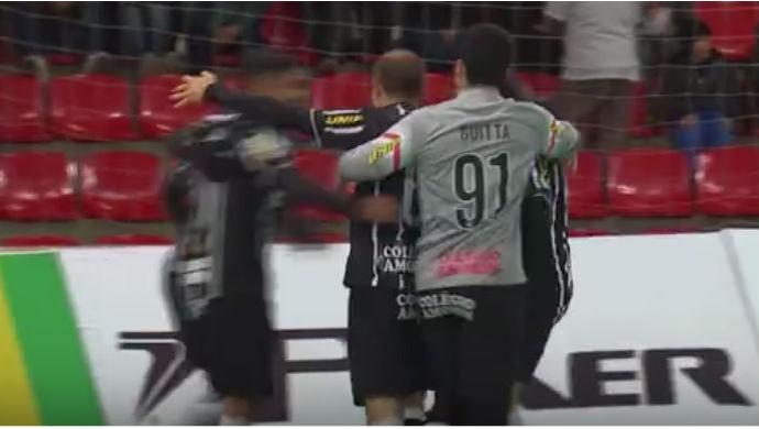 FRAME - Guarapuava x Corinthians liga nacional de futsal (Foto: Reprodução SporTV)