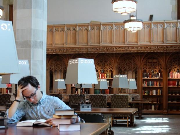 Daniel na Universidade Yale, nos EUA, onde concluiu o mestrado (Foto: Arquivo pessoal)