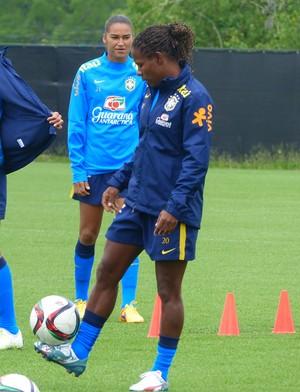Formiga durante treino da seleção brasileira (Foto: Cíntia Barlem)