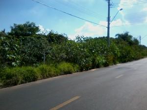 Internauta registra problema em rua do bairro Cambuy em Araraquara, SP  (Foto: Mário Takanage / Vc no G1)