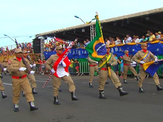 Desfile de Sete de Setembro em Santarém (Foto: Reprodução/TV Tapajós)