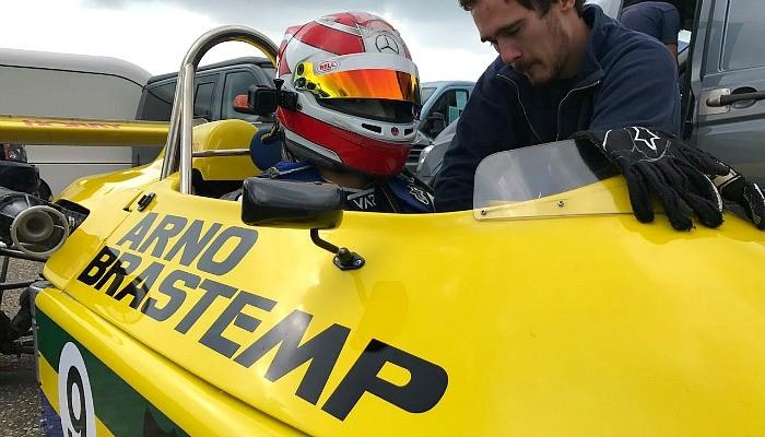 Pedro Piquet com o Fórmula 3 de seu pai