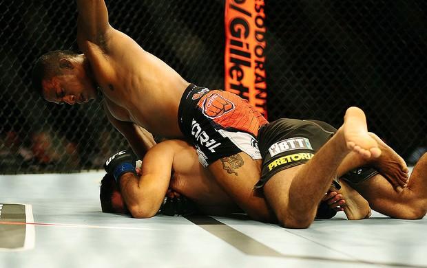 luta entre Iuri Marajó x Pedro Nobre no UFC São Paulo (Foto: Marcos Ribolli / Globoesporte.com)