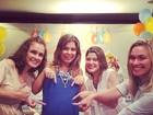 Bárbara Borges faz chá de bebê para seu primeiro filho