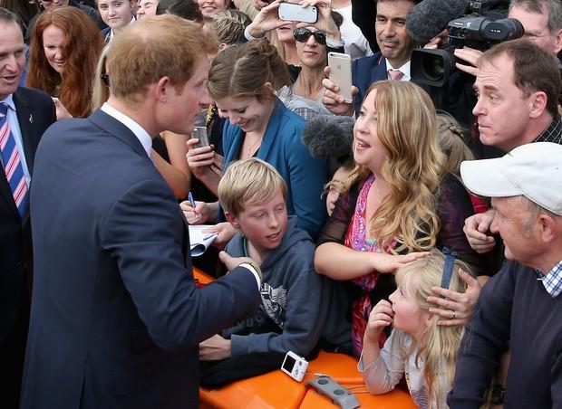 Príncipe Harry e  sua professora Vicki McBratney (Foto: Getty Images/Agencia)