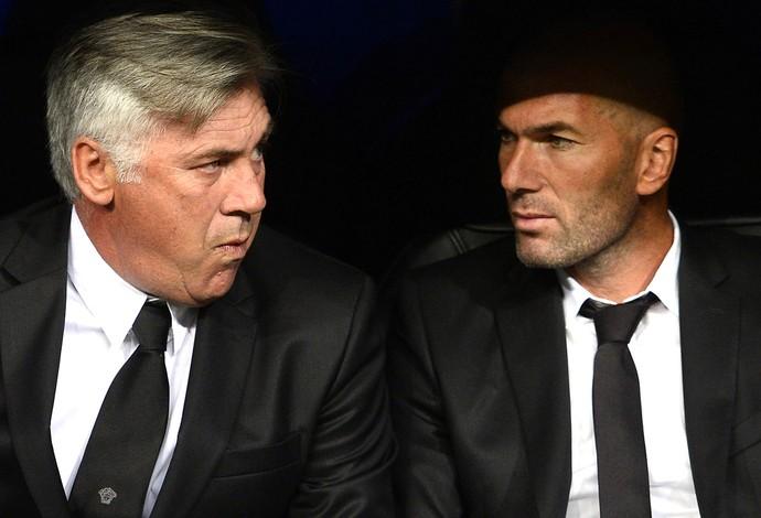 Carlo Ancelotti e Zidane jogo Real Madrid (Foto: AFP)