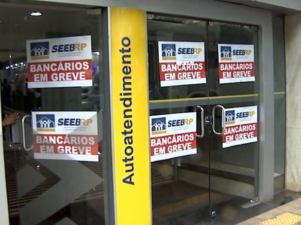 Greve nos bancos de Ribeirão Preto atinge 70% das agências (Foto: Reprodução/EPTV)