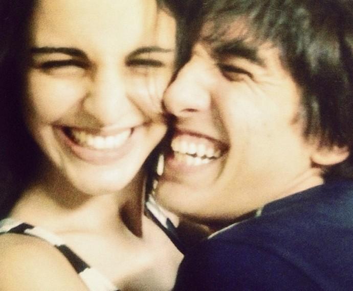 Allice Tirolla e o marido Calebe se conheceram em um festival de música (Foto: Arquivo Pessoal)