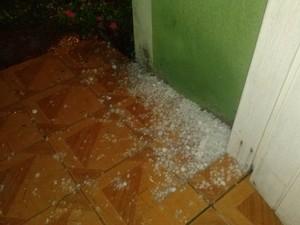 Foram dois temporais de granizo durante a madrugada em Cidreira (Foto: Arquivo pessoal/Lucas Ferreira Thomaz)