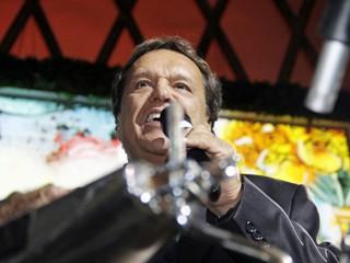 Dennis Carvalho, diretor de núcleo de Sangue Bom, comandou a festa (Foto: Nathalia Fernandes/Globo)