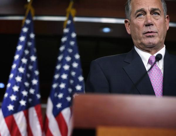Porta-voz da Câmara dos Deputados dos EUA em discurso semanal à imprensa. (Foto: Alex Wong/Getty Images/AFP)